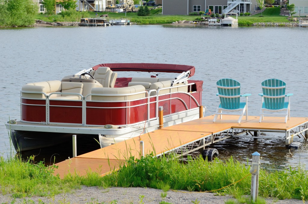 Modern Pontoon Boats: Seat Categories You May Consider