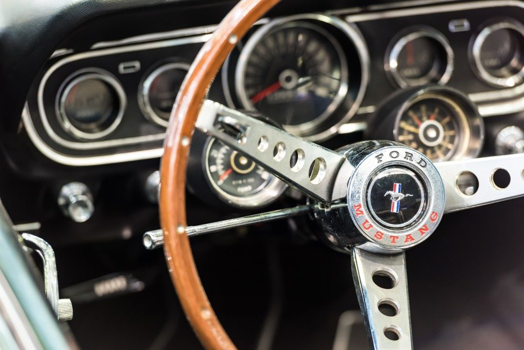steering wheel of a ford mustang