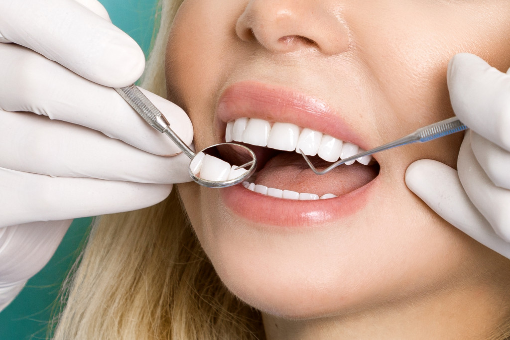 5 Signs You Should See a Dentist